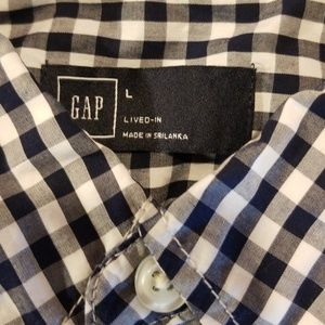 GAP Shirts - Gap Lived In Button Down, Large NWT